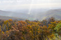 Herbstlaub in nationalpark shenandoah virginia united states Stockbilder