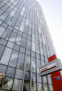 Het hoofdkwartier van de Bank van Unicredit in Boekarest Stock Foto's
