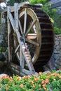 Het houten Wiel van het Water van de Rotatie Stock Afbeeldingen