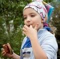 Het meisje van de barbecue Stock Foto