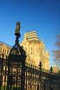Het nationale Museum van de Geschiedenis in Londen, duidelijke blauwe hemel Stock Fotografie
