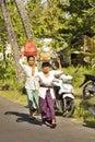 Hindu women bring gifts in nusa penida indonesia the Royalty Free Stock Image