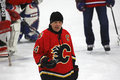Hockey theo fleury gives instruction del nhl Immagini Stock Libere da Diritti