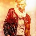 Hombre hermoso joven elegante coloree el retrato pintado digital de la imagen de la cara de los hombres Fotos de archivo