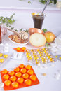 Homemade remedies for flu natural illness and medicine pills Stock Images
