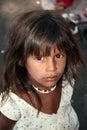 Hoppfulla indiska poor för flicka Arkivfoto