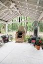 Horno al aire libre del patio y de la pizza Fotografía de archivo