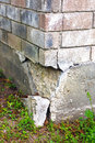 House foundation failure this part of the home's is experiencing settlement collapse eventually the brick veneer begins to Stock Image