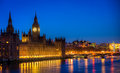 The houses of parliament by night Royalty Free Stock Photos