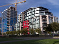Housing modernt multifamily Arkivbild