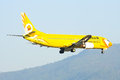 Hs ddh boeing of nokair airline chiangmai thailand april low cost landing to chiangmai airport from bangkok don muang Royalty Free Stock Images