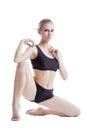 Image de la femme sportive flexible posant à l appareil photo Photographie stock