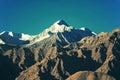 Image filtrée de gamme de montagne de neige effet de vintage traité par croix Image stock