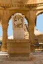Image royale de cavalier dans les cénotaphes des règles antiques de maharajas dans des ruines de bada bagh également appelés Images stock