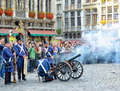 Independence of belgium day brussels september participants a parade shoot out a cannon to commemorate the battle for in Stock Photo
