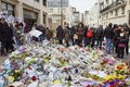 Je suis Charlie - mourning at the 10 Rue Nicolas-Appert for the victims of the massacre at the French magazine Charlie Hebdo Royalty Free Stock Photo
