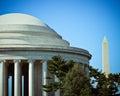 Jefferson memorial dome con washington monument in Fotografia Stock Libera da Diritti