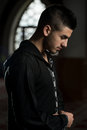 Jeunes musulmans guy praying Photo stock