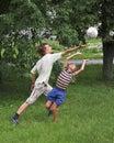 Jogo dos meninos com cápsula Fotos de Stock