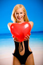 Junge Frau im Bikini Lizenzfreie Stockfotografie