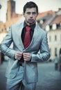 Junger eleganter Geschäftsmann Lizenzfreies Stockfoto