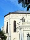 Kerk onder tropische blauwe hemel Royalty-vrije Stock Afbeelding