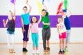 V tanec trieda šály