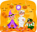 Kinder an der Halloween-Party Lizenzfreies Stockbild