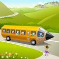 Kinder, die zur Schule durch Pencil Bus gehen Stockfotografie