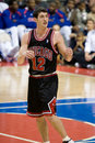 Kirk hinrich of the chicago bulls waits for ball during a game between detroit pistons and at palace auburn hills Royalty Free Stock Photos