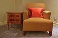 Klassisches design des einsitzers sofa chair und der seitentabelle Lizenzfreie Stockfotografie