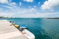 Kleine boote in azure water under blue sky Lizenzfreie Stockbilder