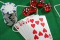 Kortchiper tärnar poker Royaltyfri Foto
