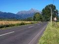 Vrchol Kriváňa a cesta v smere od Pribyliny počas leta
