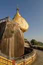 Kyaiktiya pagoda golden rock myanmar Stock Photography