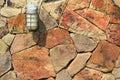 Lámpara en la pared de piedra Fotografía de archivo libre de regalías