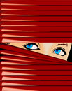 La ragazza favorita osserva a causa della gelosia rossa. Fotografia Stock Libera da Diritti