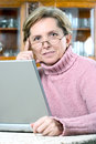 Laptop mature using woman Στοκ εικόνα με δικαίωμα ελεύθερης χρήσης