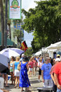 Las olas art fair fort lauderdale florida march many people peruse the large variety of for sale at the weekend long boulevard Stock Images