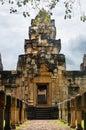 Kameň betónová chodník kameň príspevky na nádvoria brány z starobylý chrám postavený z pieskovec