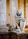 Leeuw - wacht van het geruïneerde paleis. Foto HDR Stock Fotografie