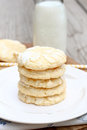 Lemon crinkle cookies with milk Royalty Free Stock Photography