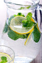 Lemon and mint fizz in jar Royalty Free Stock Photos