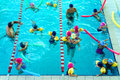 Leçon de natation Photographie stock