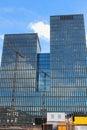 Les grues de construction se reflètent Image libre de droits