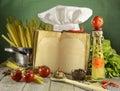 Libro del cocinero con la toca Imágenes de archivo libres de regalías