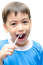 Little boy die tanden voor tandgezondheidszorg borstelen Stock Afbeelding