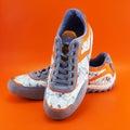 Livsstilen shoes kvinnan Royaltyfri Bild