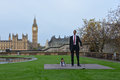 London world s tallest man and shortest man meet on guinness world record the met for the first time november in to mark day the Royalty Free Stock Photography