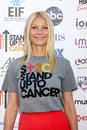 Los angeles sep gwyneth paltrow arrives stand up to cancer benefit shrine september los angeles ca Stock Photography